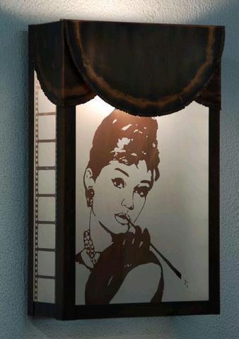 Audrey Hepburn lámpa