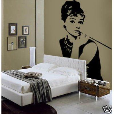 Audrey Hepburn falimatrica