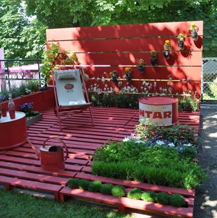 Rókavörös kerti zug napozó