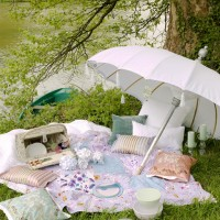 Romantikus piknikhangulatban