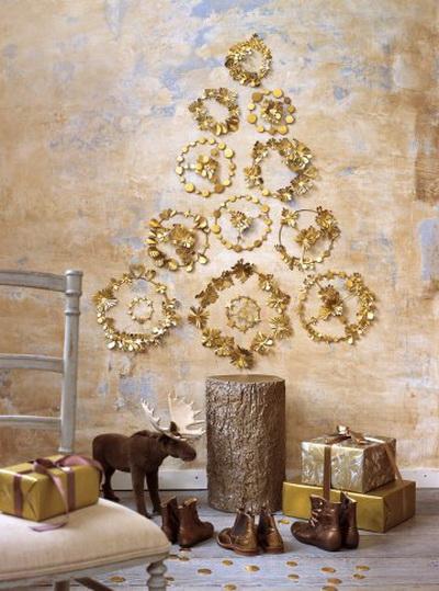 Arany girlandos alternatív karácsonyfa