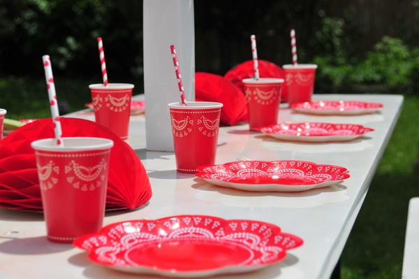 Piros fehér kerti party