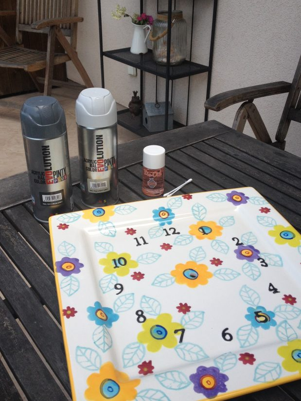 Sprayfestett óra DIY Dekorella