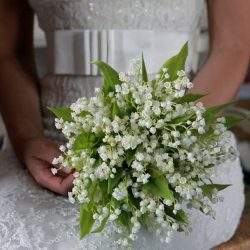 gyöngyvirág esküvői csokor